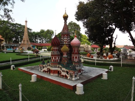 Храм Василия Блаженного в комплексе Мини-Сиам