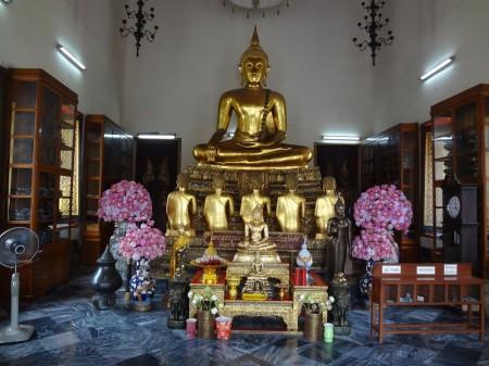 Статуи Будды в Ват По